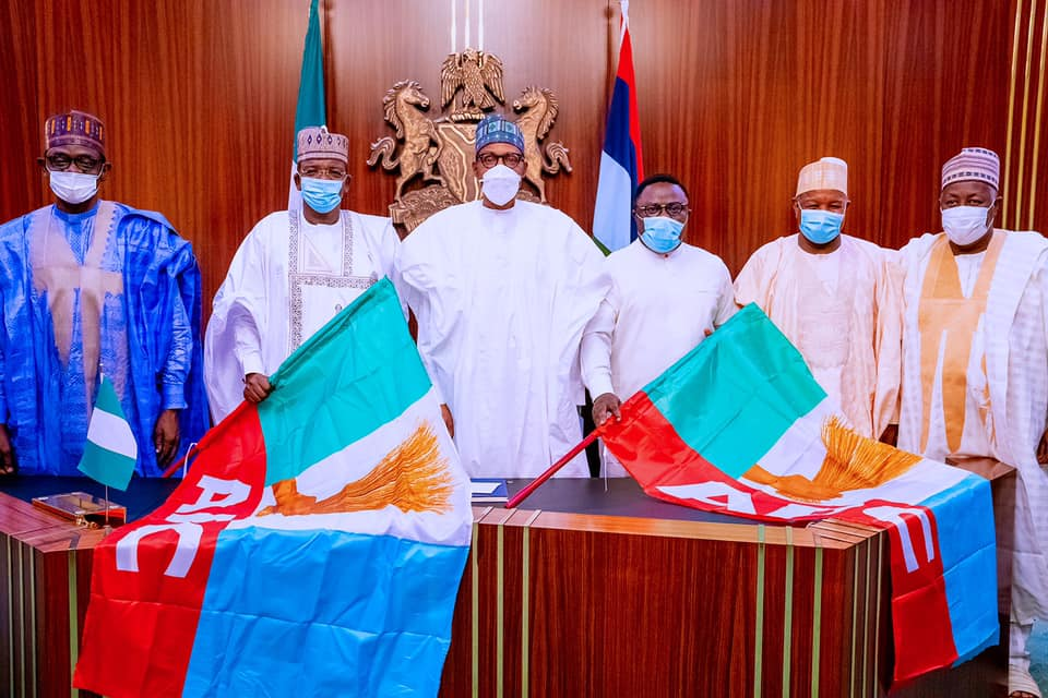 President Buhari Welcomes Defected Governors