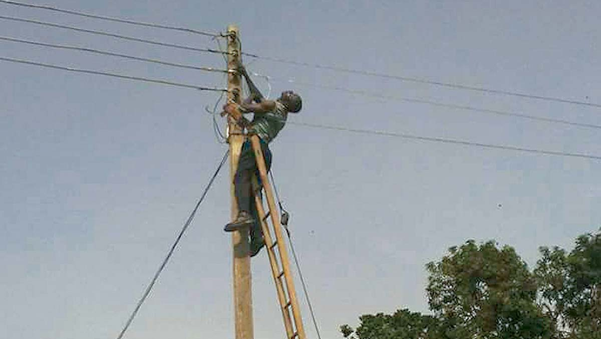 Local Resident Electrocuted While Attempting An Illegal Connection In Ondo