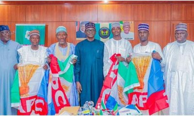 Yobe State Officials Dumps PDP For APC